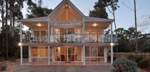 Lochani on the Bay - Accommodation Nelson Bay