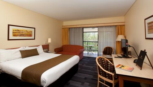 Alice Springs ResortMercure - Accommodation Nelson Bay