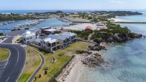 Aloha Accommodation - Accommodation Nelson Bay