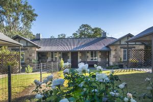 Stoneleigh Cottage Bed and Breakfast - Accommodation Nelson Bay