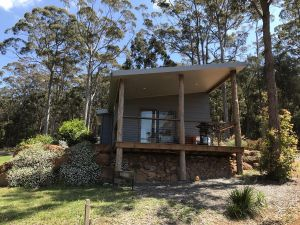 The Floating Forest Retreat - Accommodation Nelson Bay