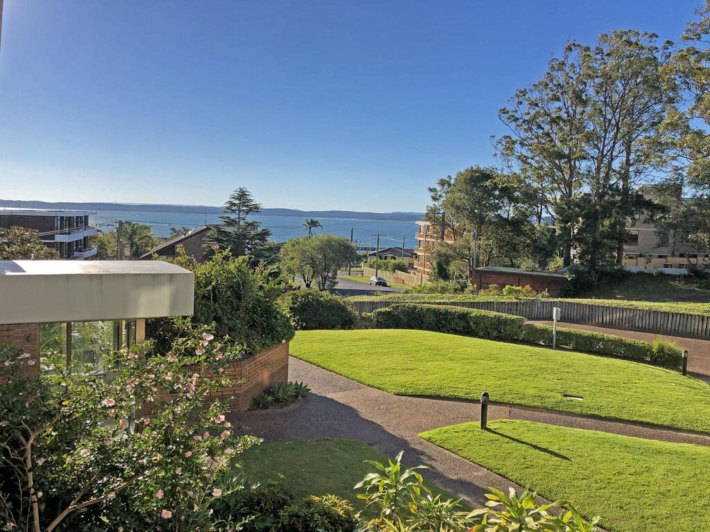 15 'The Commodore' 9-11 Donald Street - Great Unit Only A Short Walk To CBD - Accommodation Nelson Bay