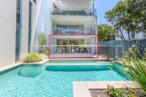 A Deluxe Swim Up - Drift Apartments South - Accommodation Nelson Bay